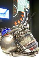 IFA 2015 : Dyson expose ses aspirateurs traineaux